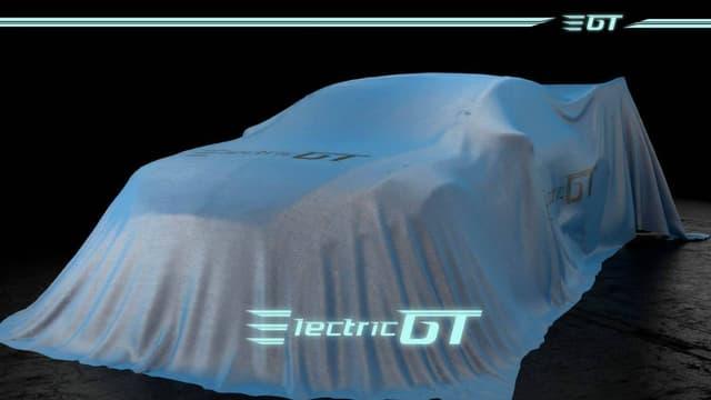 Sous cette housse se cache la Tesla Model S P85+ qui sera la voiture officielle de toutes les écuries du nouveau championnat Electric GT en 2017.