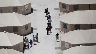 Des enfants détenus dans un camps de rétention à Tornillo au Texas, en juin 2018. (Photo d'illustration)