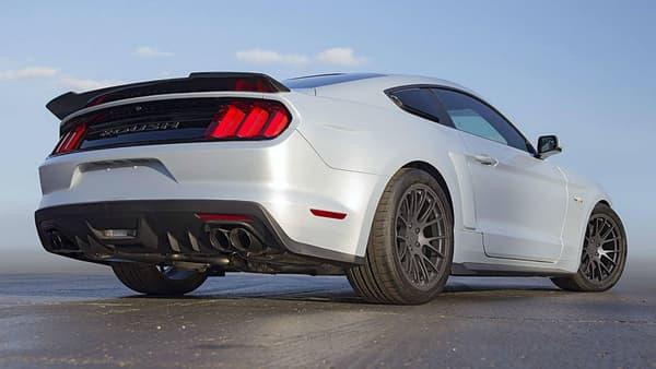 Cette version très musclée de la Mustang affiche une puissance de 757 chevaux... soit l'équivalent de la puissance de la GT et de la Mustang EcoBoost réunies.