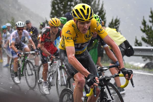 Chris Froome (en jaune) lors du Tour de France 2016