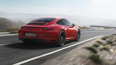 Porsche renouvelle la 911 GTS, qui perd son moteur atmosphérique.