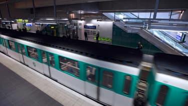 La ligne 12 du métro parisien, à la station Front Populaire, le 18 décembre 2012. (photo d'illustration)