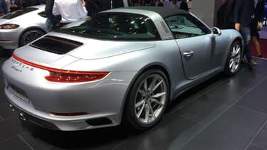 La nouvelle Porsche 911 Targa, au Mondial de l'Automobile 2016, à Paris, en octobre.