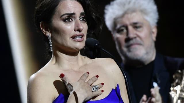 L'émotion de Penelope Cruz, recevant un César d'honneur.