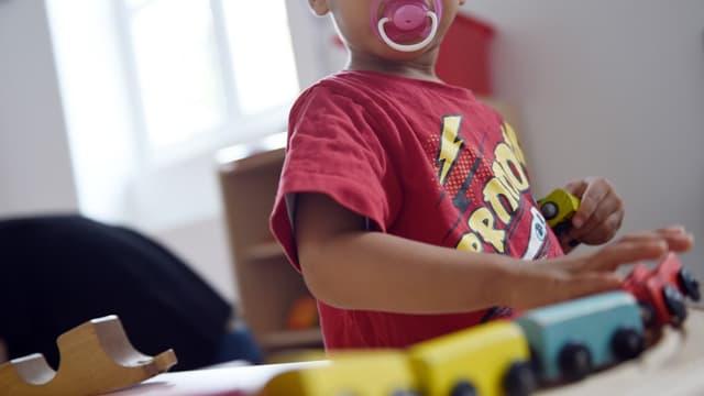 2000 professionnels de la pédiatre ont signé une tribune pour dénoncer les risques que la crise de l'hôpital fait courir à la prise en charge des enfants.