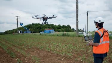 Les drones demeurent une technique complémentaire à celle des hélicoptères pour inspecter les lignes aériennes du réseau électrique.
