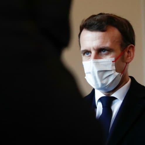 """Covid-19: Macron promet un vaccin pour """"tous les Français qui le souhaitent d'ici la fin de l'été"""""""