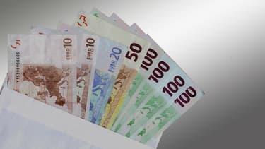 La Finlande a fixé le revenu d'expérimentation à 560 euros.