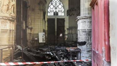 L'intérieur de la cathédrale de Nantes après l'incendie du 18 juillet 2020