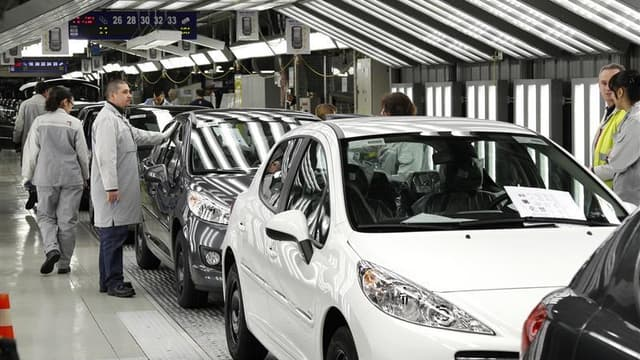 De 800 à 850 postes d'intérimaires vont être supprimés en juillet, à l'usine PSA de Sochaux, dans le Doubs..