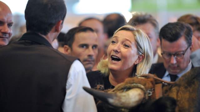 Marine Le Pen au salon de l'élevage, près de Clermont-Ferrand, le 2 octobre 2014.