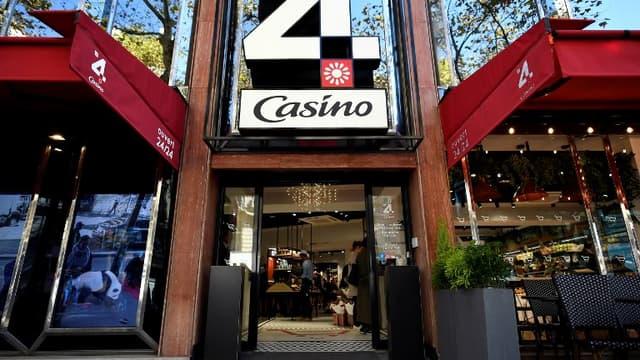 La holding du milliardaire tchèque Daniel Kretinsky a acquis 4,63% du capital du groupe Casino.