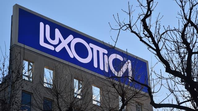 Le géant mondial des verres correcteurs Essilor et le lunettier italien Luxottica ont reporté la finalisation de leur fusion à la fin juillet 2018.