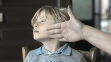 """Image extraite du spot """"Il n'y a pas de petite claque"""" réalisé par la Fondation pour l'enfance."""