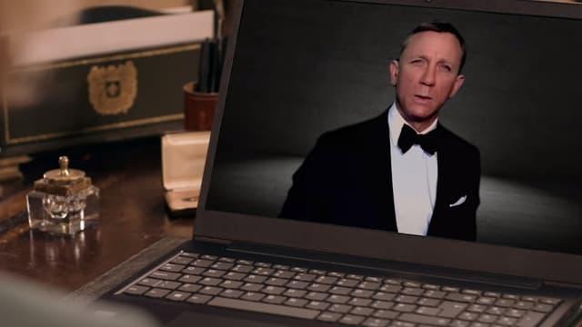 Daniel Craig dans un sketch