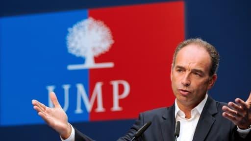 Les membres de l'UMP sont divisés sur le sujet épineux du travail le dimanche.