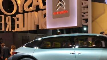 Avec le CXpérience, Citroën annonce le retour d'une grande berline dans sa gamme.