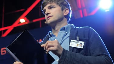 Le Chinois Lenovo, qui s'est payé l'acteur américain Ashton Kutcher comme égérie, a sorti une tablette multimode qui peut devenir un ordinateur une fois fixée à un clavier.