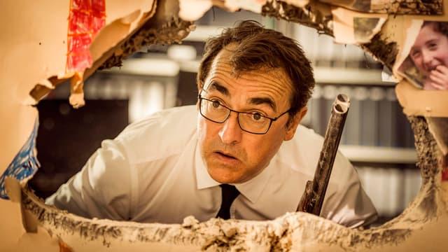 "Albert Dupontel dans ""Adieux les cons"""