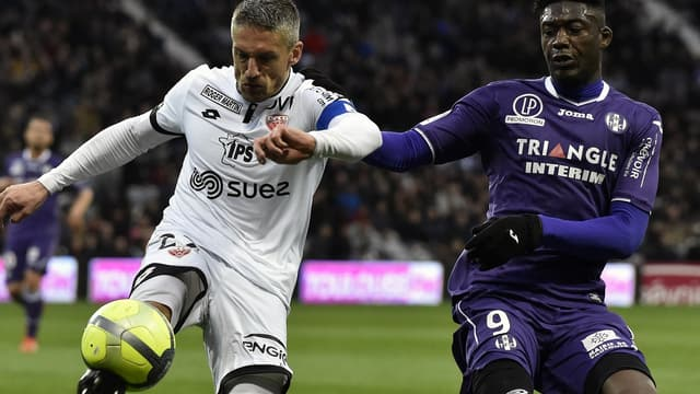 Cédric Varrault (Dijon) et Yaya Sanogo (Toulouse)