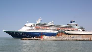 Le Sovereign of the Seas est le premier de trois paquebots de croisière identiques construit par les Chantiers de l'Atlantique à Saint-Nazaire pour le compte de Royal Caribbean International.