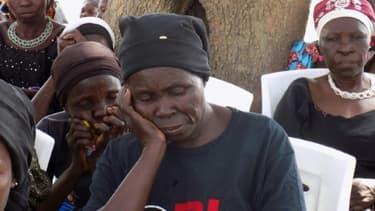 Des mères de filles de Chibok prient pour leur libération à l'occasion du quatrième anniversaire de leur enlèvement par les islamistes de Boko Haram, le 14 avril 2018.