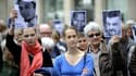 Nantes, 1er juin 2013 : des manifestants et des proches de Pierre Legrand réclament la libération des otages français au Mali.