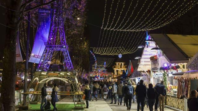 Les forains contestaient l'annulation du marché de Noël des Champs-Elysées.