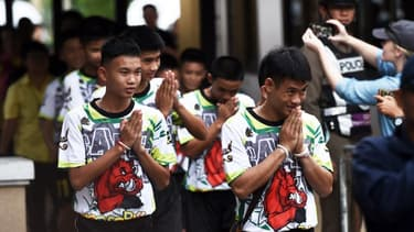 Les enfants vont effectuer une retraite dans un temple bouddiste avant de retourner à la vie normale