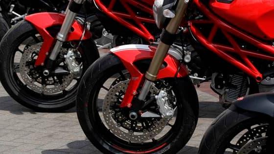Les deux-roues ou les quadricycles à moteur vendus en Europe devront répondre à des normes de sécurité et de pollution renforcées à partir de 2016. Ils devront notamment être équipés à cette date d'un système d'antiblocage des roues (ABS). /Photo d'archiv