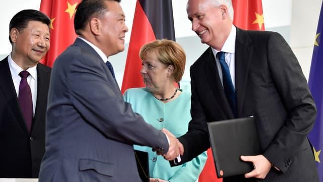 En 2017, Hubertus Troska, président de Daimler, et  Xu Heyi, patron de BAIC, signait une entente devant la chancelière allemande, Angela Merkel, et le président chinois, Xi Jinping