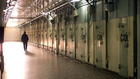 Plusieurs prisons françaises ont été brièvement bloquées lundi matin par des gardiens demandant des moyens supplémentaires pour ce secteur surpeuplé et sinistré. /Photo d'archives/REUTERS
