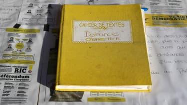 Un cahier de doléances à la mairie de Cagnes-sur-Mer