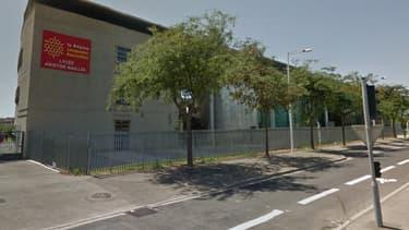Le lycée Aristide Maillol à Perpignan, où Myriam ne pouvait plus entrer parce qu'elle portait une casquette pour masquer sa pelade.