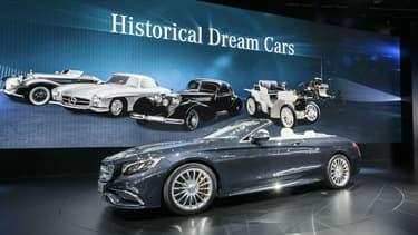 Le cabriolet S65 AMG, l'une des vedettes du stand Mercedes au salon de Détroit.