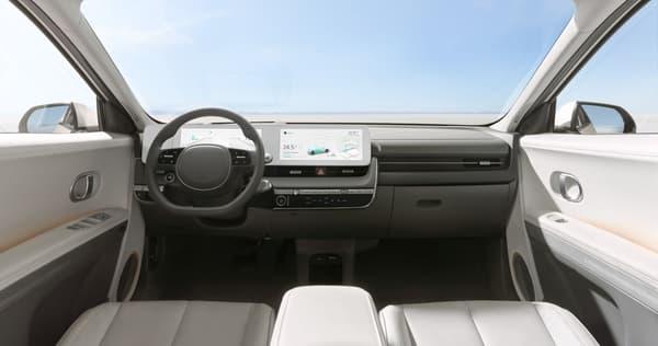 L'intérieur de ce SUV 100% électrique se révèle très moderne et épuré