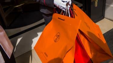 Les clients du luxe qui vivent une expérience exclusive en magasin ne sont pas aussi satisfaits de leur expérience avec les grandes marques en ligne.