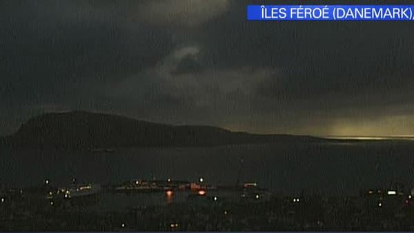 L'éclipse solaire totale a brièvement plongé les Îles Féroé (Danemark) dans le noir vendredi matin.