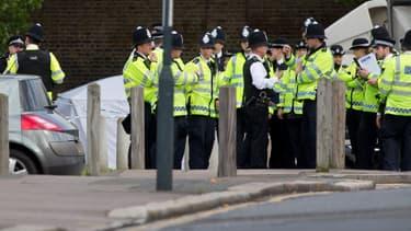 La scène du crime, entourée de nombreux policiers, mercredi, à Londres.