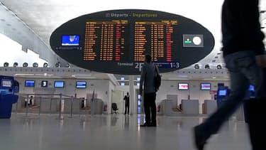 Le tableau des départs à l'aéroport de Roissy