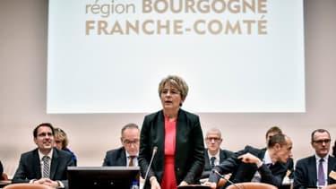 Marie-Guite Dufay, élue présidente du Conseil régional de Bourgogne-Franche-Comté, le 4 janvier 2016