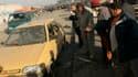 Près du lieu de l'explosion d'une bombe à Sadr City, dans le nord-est de Bagdad, où deux explosions ont fait au moins dix morts. Par ailleurs, un double attentat à la voiture piégée a fait douze morts et 32 blessés dans le quartier de Kadhimiya, situé dan