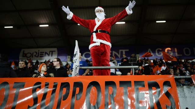 Le père Noël... dans des tribunes