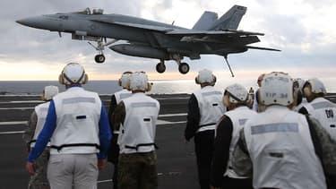 Donald Trump envisage de commander des Boeing F/A-18 Super Hornet en remplacement du célèbre avion de chasse F-35 produit par Lockheed Martin.