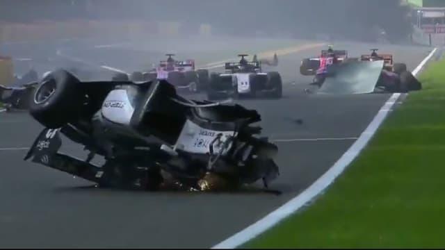 L'accident de Formule 2 à Spa-Francorchamps