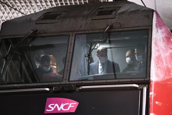 Jean Castex le 20 mai 2021 au départ du train de nuit Paris-Nice.