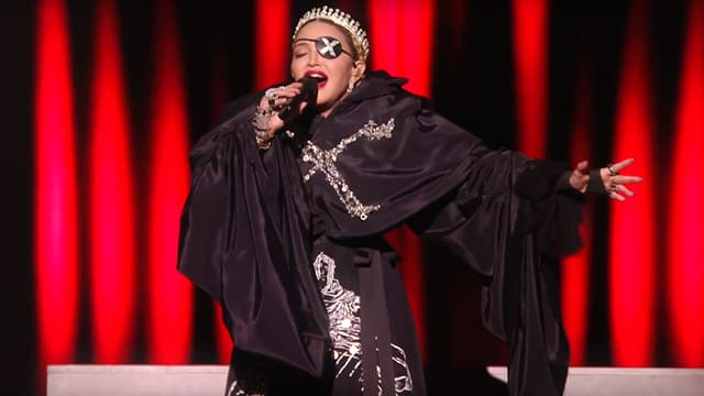 Madonna sur la scène de l'Eurovision à Tel Aviv, le 18 mai 2019.
