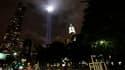 """Les projecteurs du """"Tribute in Lights"""", commémorant les attentats du 11-Septembre à New York. Barack Obama a ordonné jeudi aux forces antiterroristes américaines de redoubler de vigilance face à un possible risque d'attentat autour de la commémoration, di"""