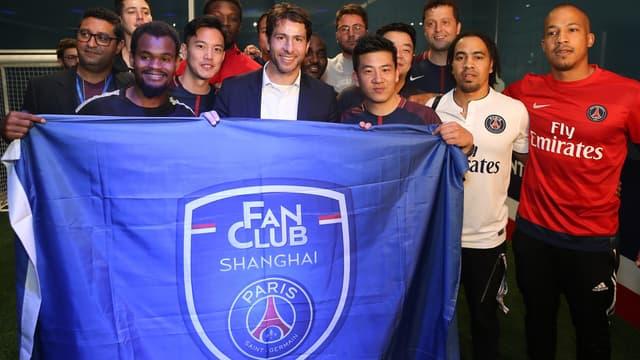 Maxwell représente le PSG en Chine