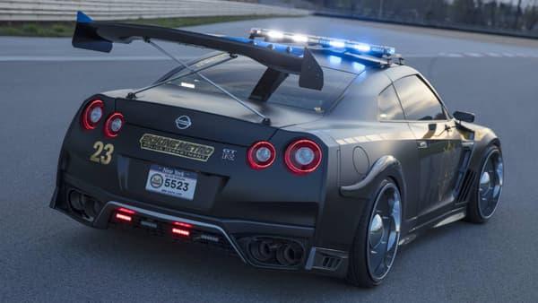 Cette version 2017 dispose toujours du V6 biturbo de la précédente GT-R, mais légèrement gonflée à 565 chevaux et un couple énorme de 570 Nm.